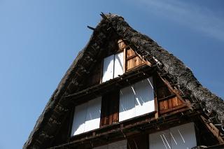 瓦葺の屋根